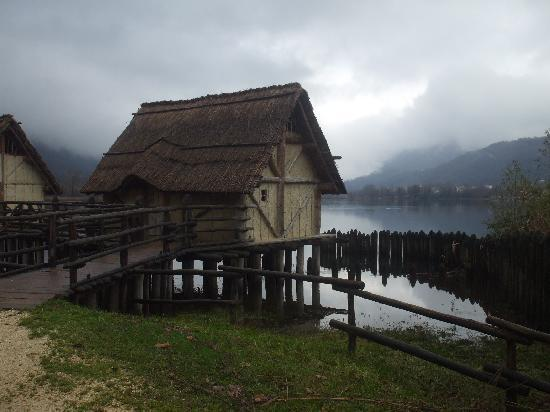 Palafitta a Revine lago, in Veneto