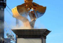 Sbarco di grano canadese a Pozzallo
