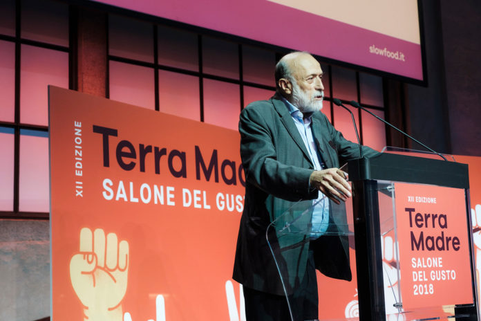 Carlo Petrini durante la presentazione ufficiiale dell'edizione 2018