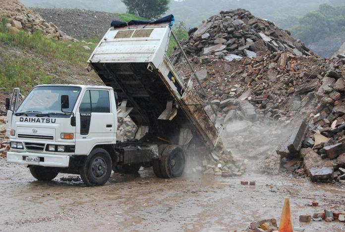 Rifiuti speciali, molti dei quali vengono dal settore delle costruzioni e delle demolizioni