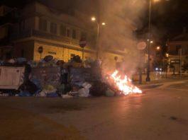 Cassonetti in fiamme a Cerignola
