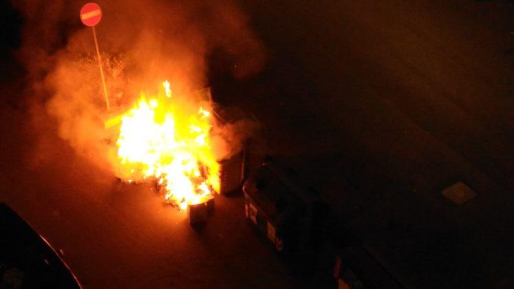 Cassonetti in fiamme a Cerignola (FG)