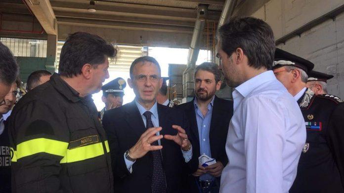 Il Ministro Costa all'impianto di stoccaggio ecoballe di San Vitaliano, andato a fuoco ieri