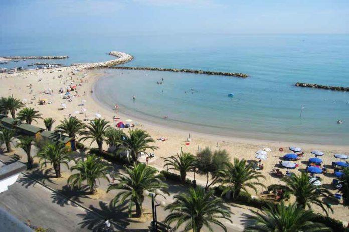 La costa di Martinsicuro, Abruzzo, una tra le sette a rischio