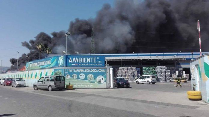 L'azienda di stoccaggio e riciclo di ecoballe andata a fuoco 2 giorni fa a San Vitaliano