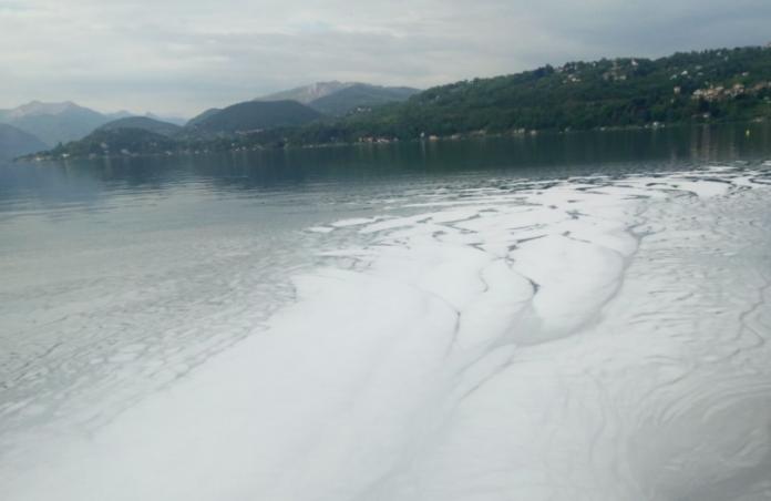 Sversamenti nel Lago d'Orta