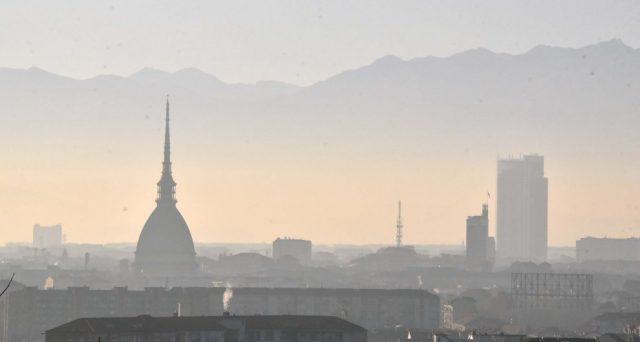 Torino, tra le città più inquinate d'Italia secondo gli ambientalisti
