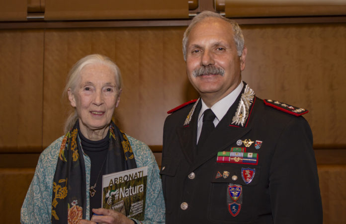 Il generale Antonio Ricciardi insieme a Jane Goodall, credit Jane Goodall Institute Italia