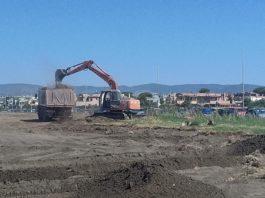 Ruspe in azione sul Lungomare Navigatori Etruschi per allestire il Jova Village