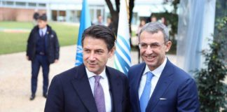 Sergio Costa insieme al Presidente del Consiglio Giuseppe Conte