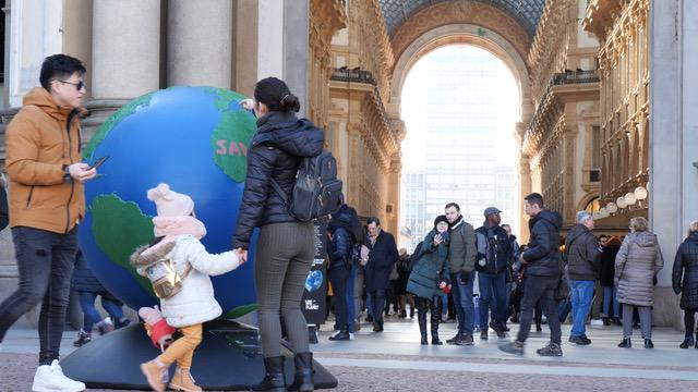 Inaugurazione del primo globo WePlanet a Milano