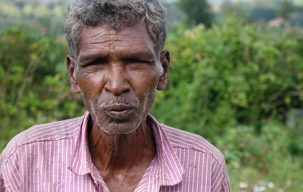 Gurumala, uomo Jenu Kuruba sfrattato circa 30 anni fa dalla Riserva delle Tigri di Bandipur.